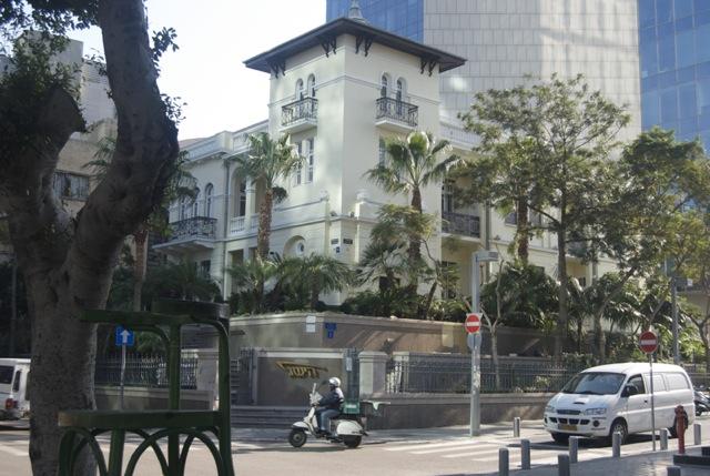 Tel Avivians Against Historic Preservation?