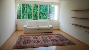 Quiet & Bright Apartment with Rooftop Terrace for Rent
