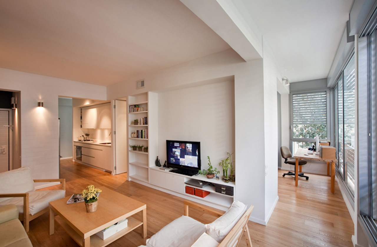 Restored Flat in Tel Aviv's Old North by Sfaro Architects
