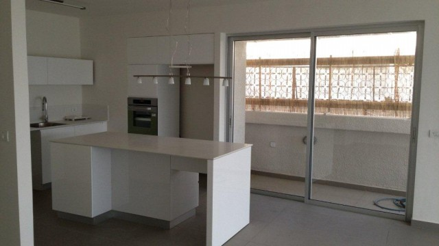 2 Bedroom Penthouse for Rent in Kikar HaMedina
