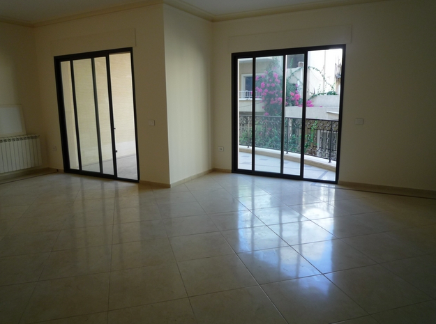2BR Apartment with Balcony in Lev Tel Aviv for Sale