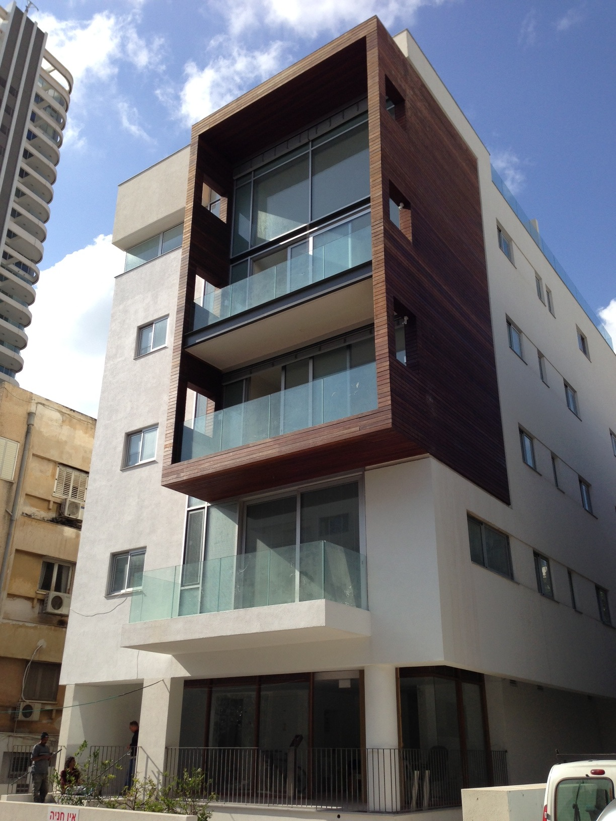 2BR Penthouse Apartment for Rent in Central Tel Aviv