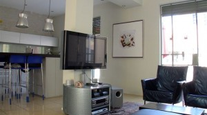 Beautiful 2BR Apartment with 3 Balconies in Neve Tzedek