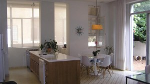 2 Bedroom Garden Apartment in Stunning Eclectic Era Building in Lev Tel Aviv