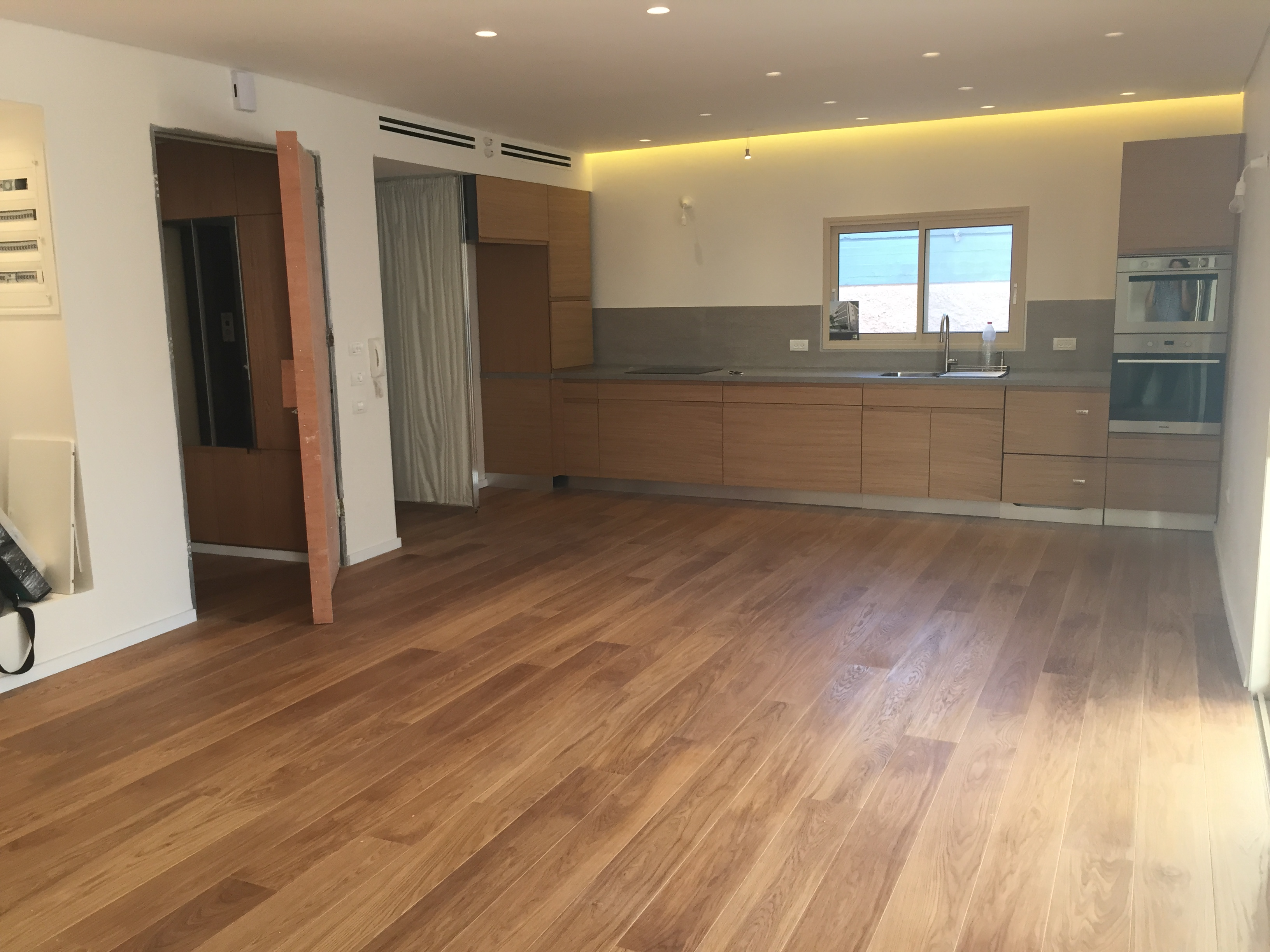 New & Stunning 2BR Apartment Next to Rothschild For Rent