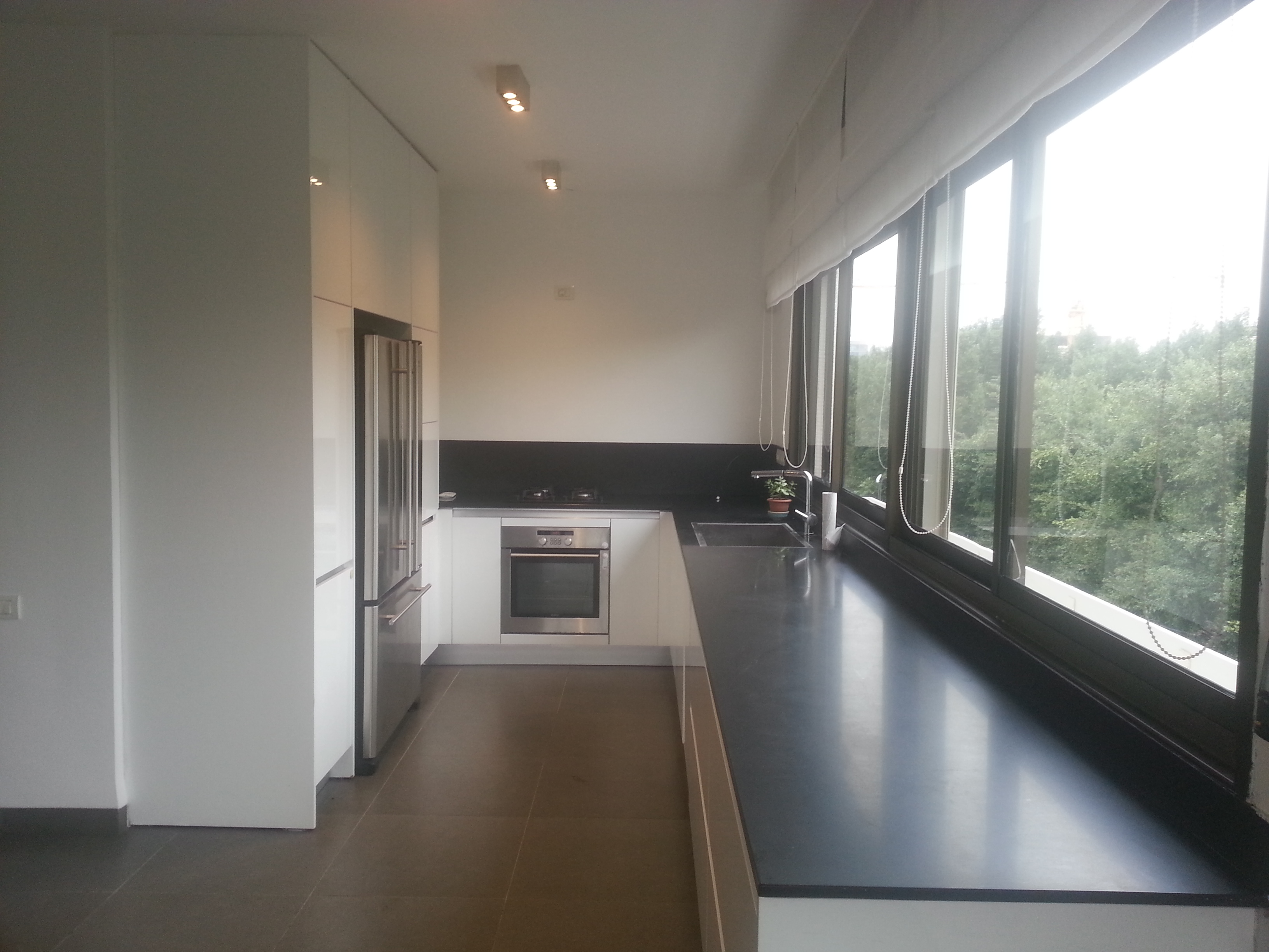 3BR Penthouse for Rent on Sderot Chen in Tel Aviv's City Center