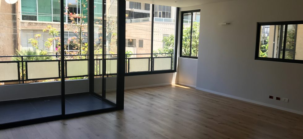 Newly Renovated 2BR Apartment for Sale in Tel Aviv's Old North