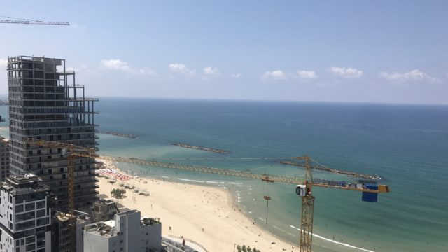 Fully Furnished 4 Bedroom Seaside Luxury Apartment in Central Tel Aviv