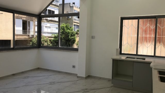 2 Bedroom Apartment for Sale in Lev Tel Aviv Near the Carmel Market & Nahalat Binyamin