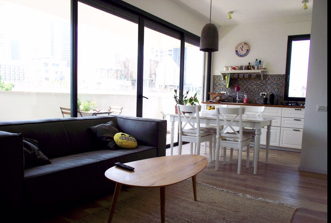 New 2 Bedroom Apartment for Rent Next to Nahalat Binyamin in the Heart of Tel Aviv