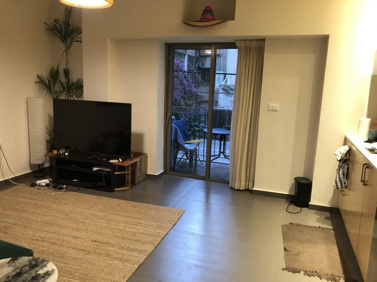 2 Bedroom Apartment for Mid-Term Rent in the Florentine Quarter of Tel Aviv